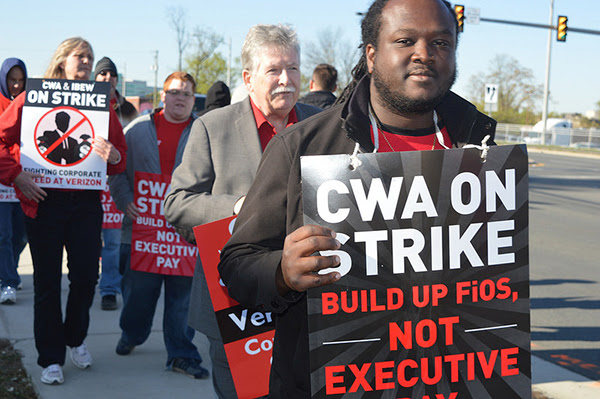 CWA Members on Strike at Verizon